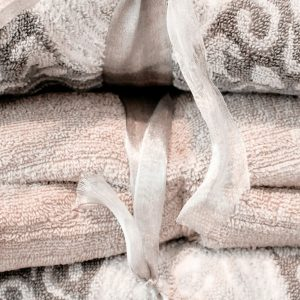 3 Easy Steps To Organize Your Linen Closet